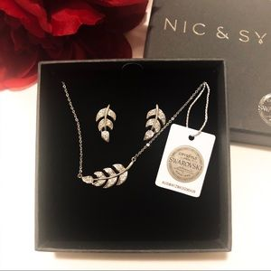 Nic & Syd Jewelry - 🌲 Swarovski Floating Leaf Set by Nic & Syd🌲